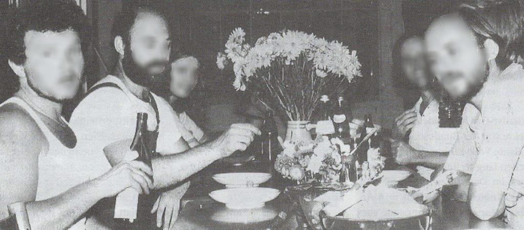 Renovieren im Sommer 1980. DemoZ Pioniere beim gemeinsamen Futtern